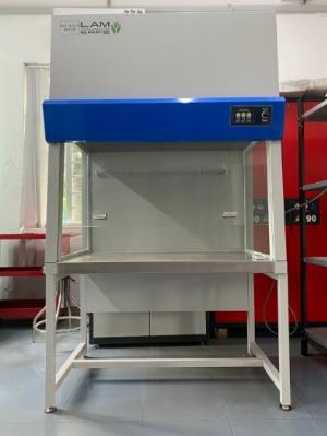 Tủ cấy vi sinh dòng khí thổi đứng có cửa VC900