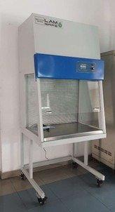 Tủ cấy vi sinh dòng khí thổi ngang có cửa HC15D
