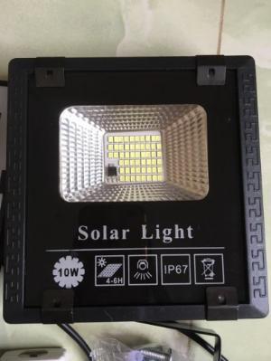 Bóng tích điện năng lượng mặt trời 10W có điều khiển