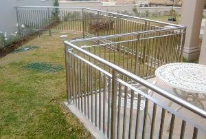 Hàng rào bảo vệ ngôi nhà Hải Minh