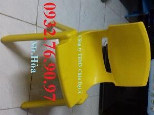 Ghế nhựa đúc-Ghế gỗ mầm non giá rẻ tại tphcm