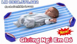 Giường ngủ em bé