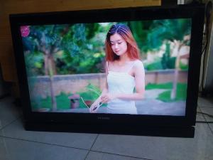 Tivi Toshiba 32PB1V màn hình sáng đẹp nét