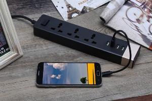 Ổ Cắm Điện Remax RU-S2 Kiêm 4 cổng USB sạc điện thoại các loại