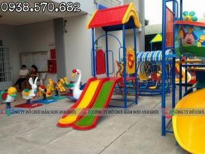 Cầu trượt trẻ em nhựa composite