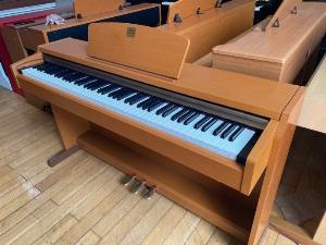 Piano điện Yamaha CLP 220c
