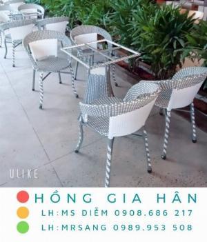 Bộ bàn ghế mây nhựa Hồng Gia Hân BGM18