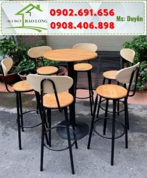 Bộ bàn ghế bar cafe gỗ chân sắt sơn tĩnh điện