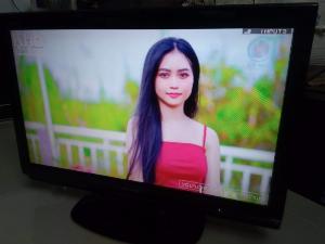 Sharp 32 in Full HD màn hình đẹp zin
