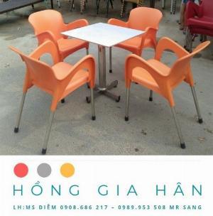 Bàn ghế nhựa đúc Nữ Hoàng Hồng Gia Hân BGN18