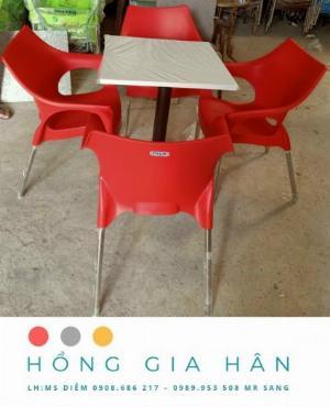 Bàn ghế nhựa đúc Nữ Hoàng Hồng Gia Hân BGN21