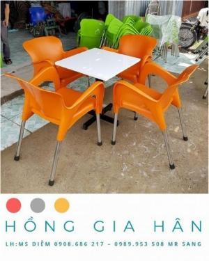 Bàn ghế nhựa đúc Nữ Hoàng Hồng Gia Hân BGN22