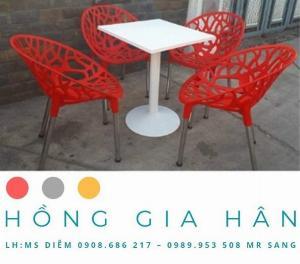 Bàn ghế nhựa đúc Nữ Hoàng Hồng Gia Hân BGN24