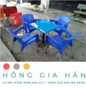 Bàn ghế nhựa đúc Nữ Hoàng Hồng Gia Hân BGN27