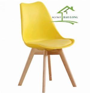 Ghế nhựa  nệm chân gỗ màu vàng giá rẻ