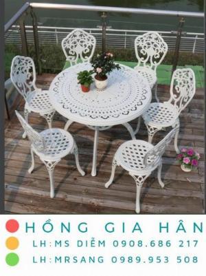 Bộ bàn ghế sắt nghệ thuật Hồng Gia Hân BGS12
