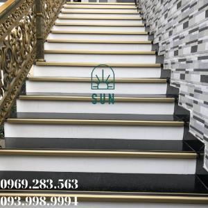 Nẹp chống trơn bậc cầu thang chữ L - Nẹp chống trơn bậc cầu thang hợp kim nhôm cao cấp.