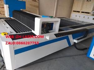 Máy laser fiber cnc cắt kim loại công nghiệp YH-3015