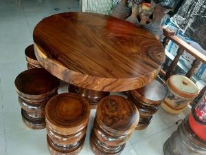 Bàn ghế gỗ me tây nguyên khối có đủ kích thước lớn nhỏ giá sỉ tại xưởng sản xuất anh khoa 2567
