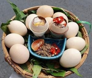 Trứng gà ác lộn tẩm bổ mùa dịch khách ơiiii !