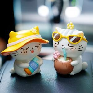 Tượng mô hình chú Mèo trắng tắm nắng cực đáng yêu