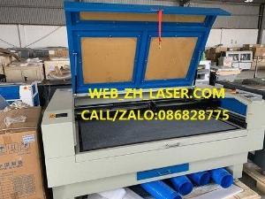 Máy laser dùng cho quảng cáo kích thước 1490 hai đầu.