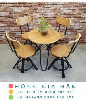 Bàn ghế cafe bằng gỗ Hồng Gia Hân C111