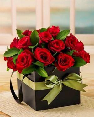 Hộp hoa hồng tươi màu đỏ - LDNK147