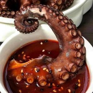 Râu bạch tuộc khổng lồ