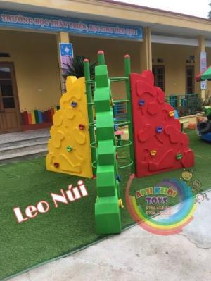 Tường leo núi vận động cho trẻ