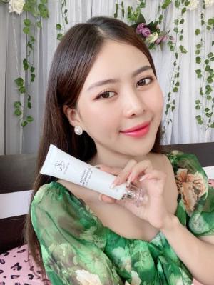 Sữa Rửa Mặt Trắng Da Ngừa Mụn KN Beauty Hydrating Cleansing Milk 100g