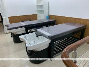 Giường gội đầu spa bồn sứ màu đen hiện đại, giá rẻ tại xưởng