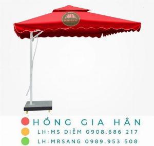 Dù lệch tâm che mưa nắng, trang trí sân vườn Hồng Gia Hân D001