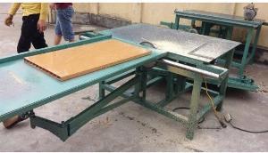 Máy cắt nhựa đài loan