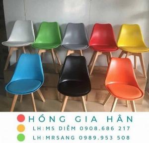 Ghế Eames nhiều màu Hồng Gia Hân E001