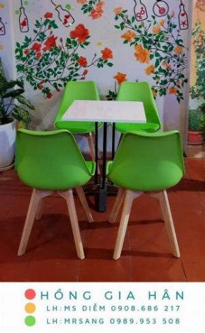 Bàn ghế Eames cho quán cafe, trà sữa Hồng Gia Hân B015