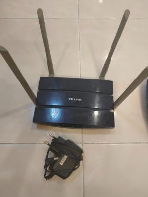 2021-08-11 19:54:56  5  Bộ phát wifi TP-Link & Linksys 2 băng tần . 300,000