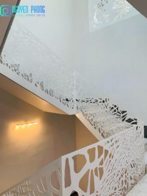 Cầu thang CNC sắt mỹ thuật bền-rẻ-đẹp mang lại không gian hiện đại đẳng cấp