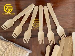 Cung cấp nĩa gỗ dùng một lần chất lượng xuất khẩu cho nhà hàng, khách sạn tại TP. HCM