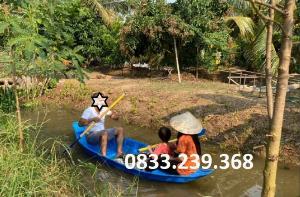 Thuyền 2-3 người đi kênh, rạch, ngòi, suối