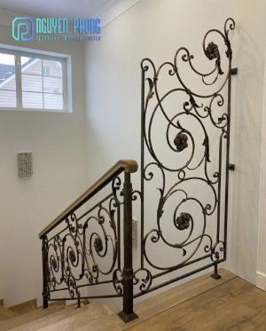 5 tips khi chọn cầu thang sắt mỹ thuật để ngôi nhà trở nên sang trọng đẳng cấp hơn