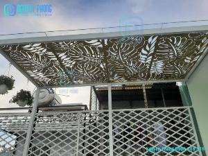 Mái hiên mái đón hoa văn CNC tạo hiệu ứng ánh sáng đẹp sang trọng