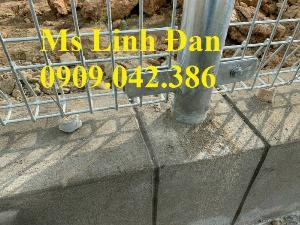2021-09-26 09:36:11  10  Hàng rào lưới thép, hàng rào mạ kẽm, hàng rào bảo vệ khu công nghiệp 35,000