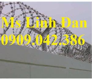 2021-09-26 10:10:14  4  Hàng rào dây thép gai hình dao, cách dăng dây thép gai hình dao mạ kẽm, 280,000
