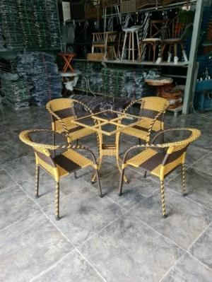 Bàn ghế mây cafe giá rẻ tại xưởng ghế nhật màu vàng nâu