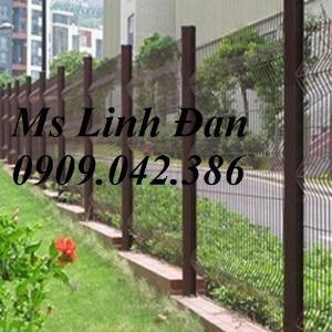 Lưới thép hàng rào mạ kẽm cột trái đào