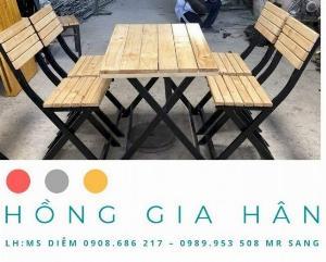 Bàn ghế cafe Hồng Gia Hân_Bàn gỗ khung sắt