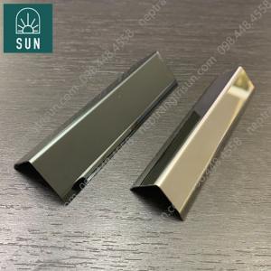 Nẹp Inox 304 chữ V - Nẹp Inox chữ T- Nẹp Inox chữ V màu đen bóng - Nẹp Inox chữ V màu trắng gương - Nẹp Inox chữ V nhập khẩu giá tốt nhất.