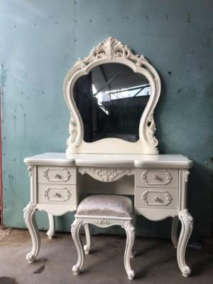 Bàn ghế trang điểm hoàng gia cao cấp giá tốt duy nhất đang bán tại Gò Vấp, Tp HCM