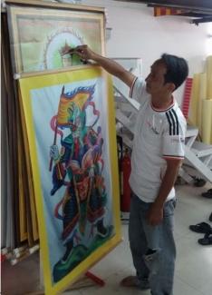 In canvas tranh vải bố treo cúng đàn tại chùa